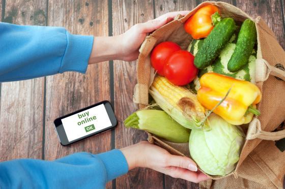 Vegetables online LanKS Shutterstock